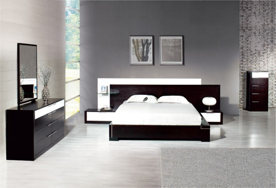 BLACK AND WHITE BEDROOM INTERIOR